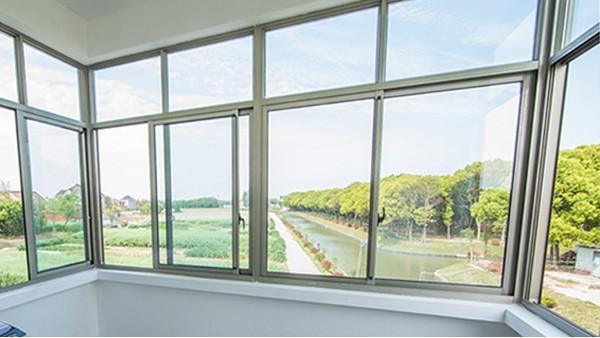 楼上楼门窗 | 专业安装的高端铝合金门窗伴你温暖过冬!