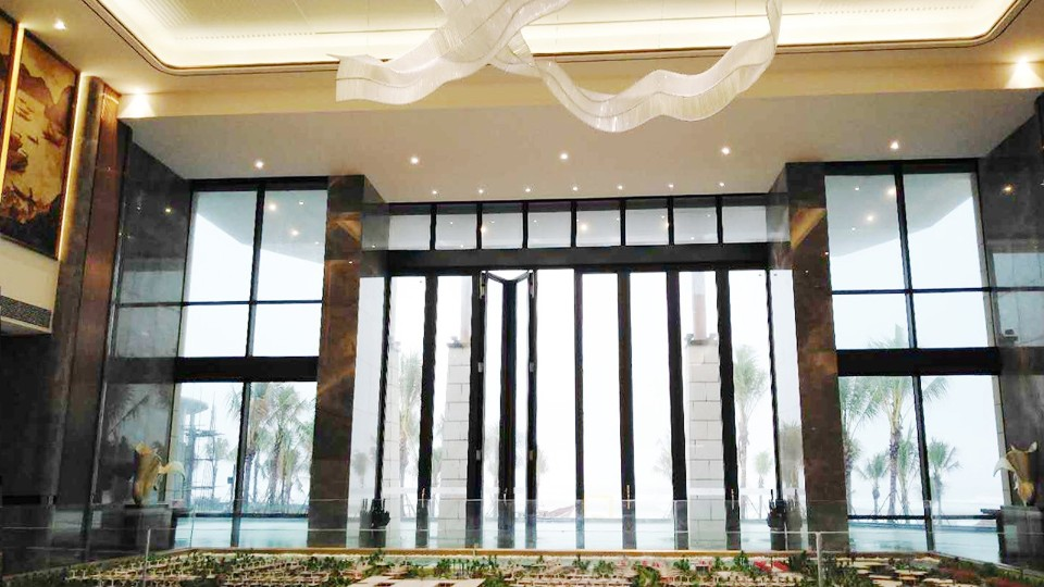 越南顺化陵姑湾度假区酒店门窗工程案例-铝合金门窗厂家-楼上楼门窗