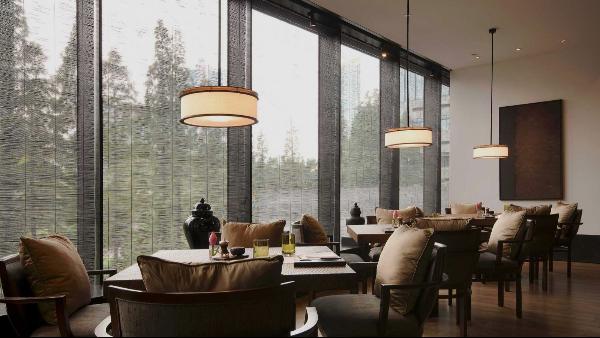 太惊艳!这些颜值与实力并存的楼上楼铝木门窗,真让人心动!
