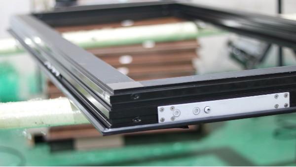 楼上楼门窗工程定制的节能性在现代建筑中的重要作用