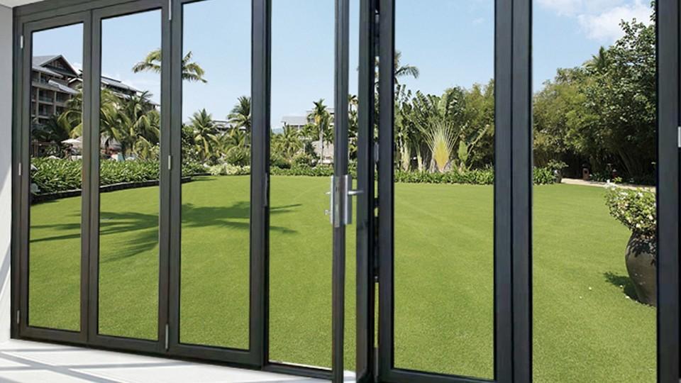 铝合金门窗滑撑到底有多重要?楼上楼高端门窗这样说…