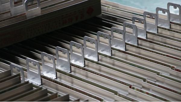 广州麓湖大厦住宅门窗工程案例-楼上楼门窗