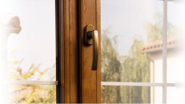【楼上楼门窗】新加坡酒店门窗工程专业供应厂家装柜啦!