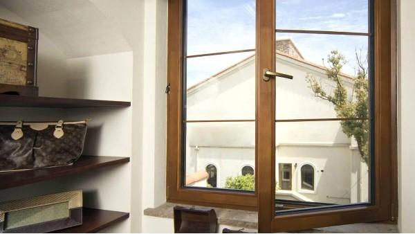 别墅装修高端铝合金门窗可以选择哪个牌子?楼上楼门窗怎么样?